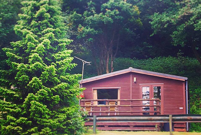 Log Cabins Staffordshire Raddle Inn – Alton Towers Accommodation