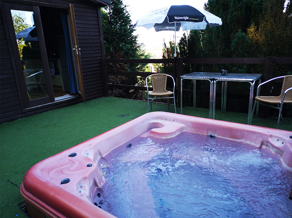 tower lodge hot tub